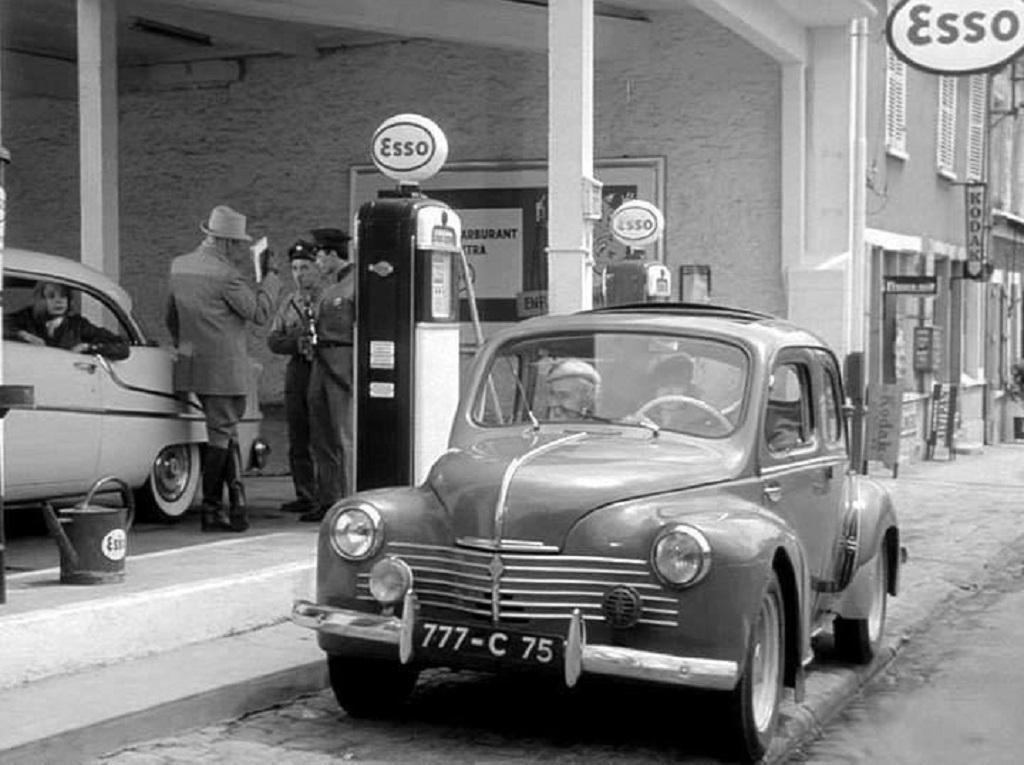 4cv-Renault-Scène-de-vie-quotidienne - Copyrght-inconnu
