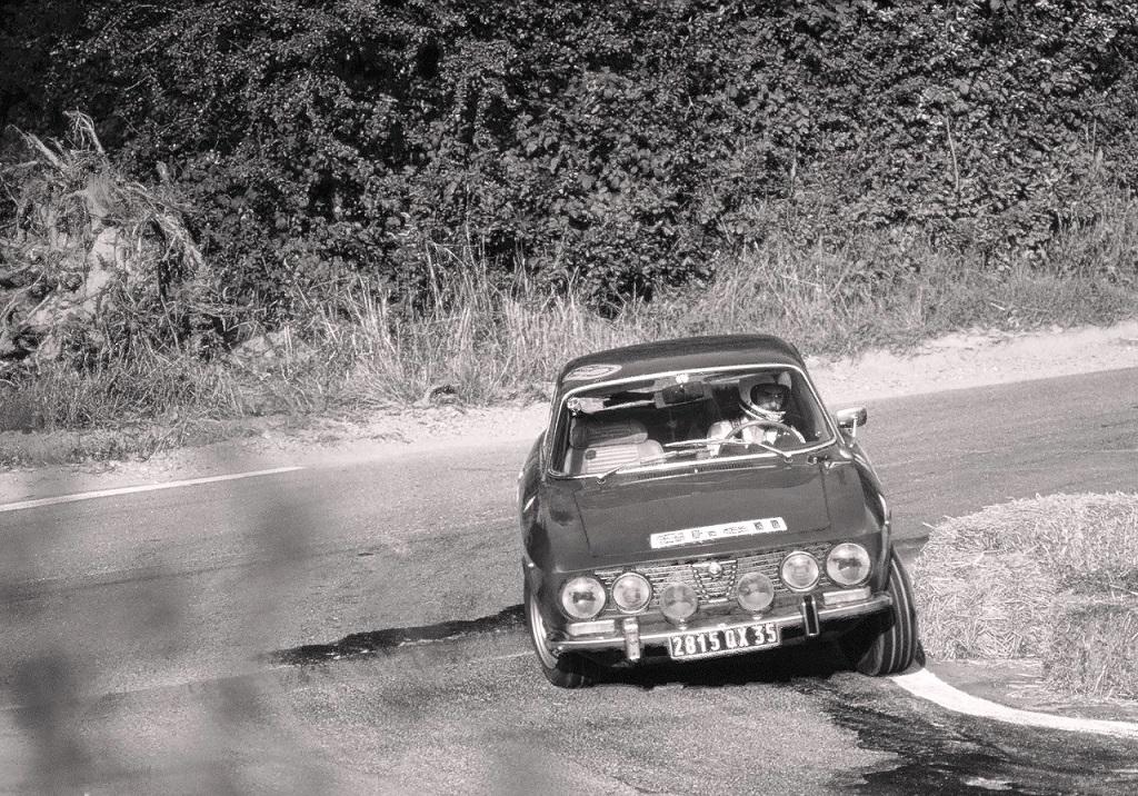Alfa-Romeo-2000-GTV - 1975 - CC-Landivisiau - Photo-Thierry-Le-Bras