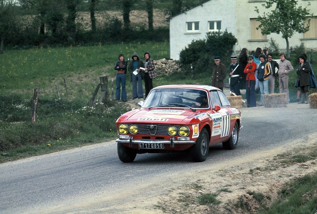 Alfa-Romeo-2000-GTV- 1975 - Ronde-Armor - Photo-Thierry-Le-Bras