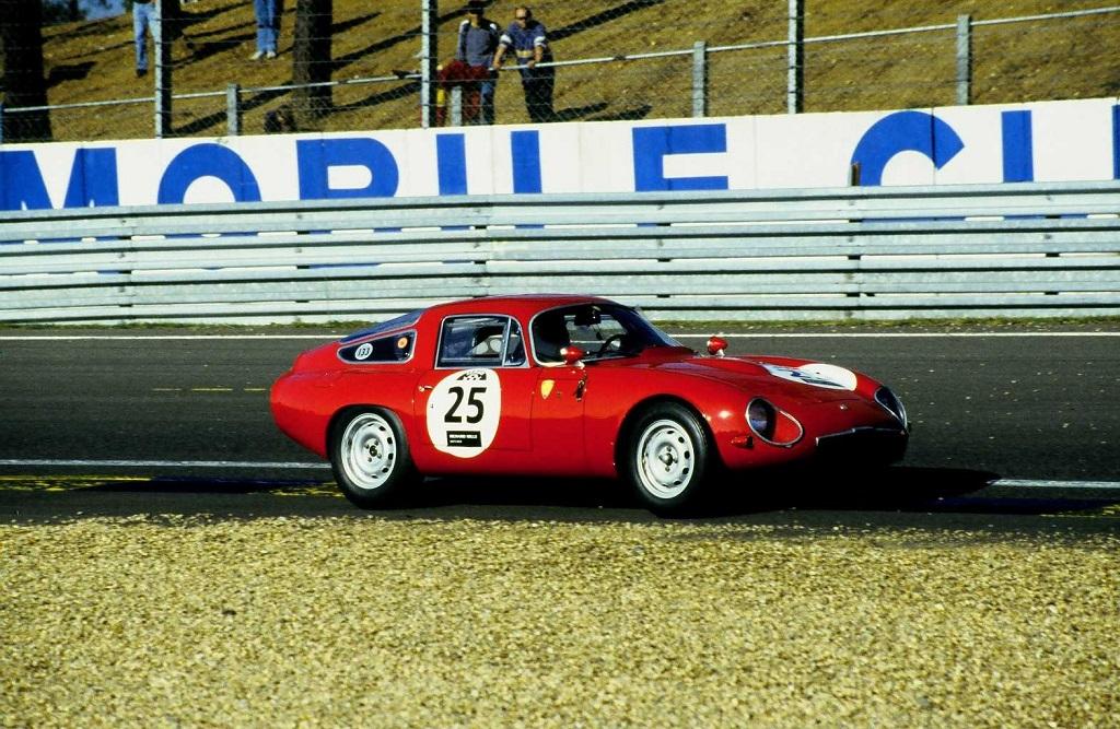 Alfa-Romeo-Giulia-TZ - 2002 - Mans-Classic - Photo-Thierry-Le-Bras