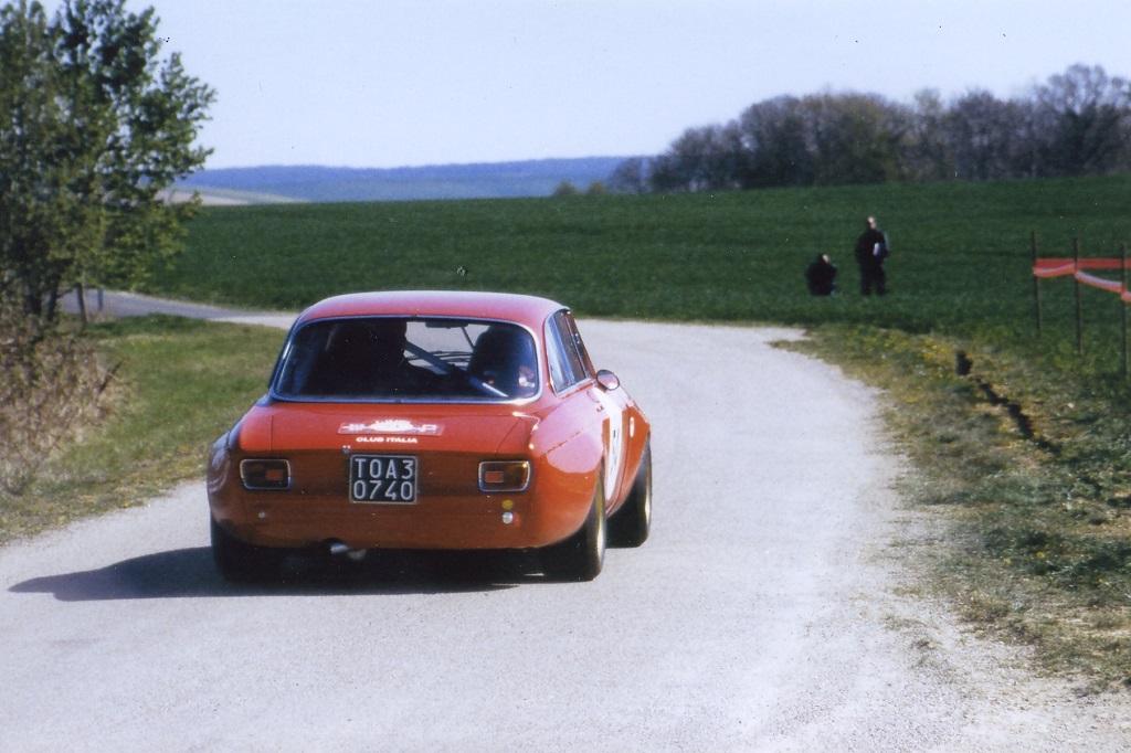 Ammendola- Pasta - Alfa-Romeo-Giulia-GTA - 2003 - Tour-Auto - Photo-Thierry-Le-Bras