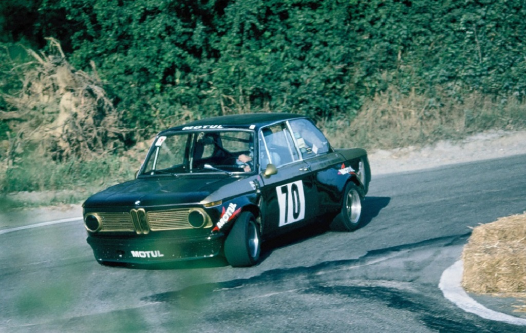BMW-2002-groupe-2- 1975 - CC-Landivisiau- Photo-Thierry-Le-Bras