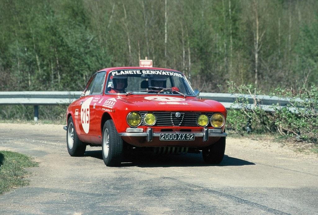 Baigneres-Wasilewski - Alfa-Romeo-2000-GTV - 2003 - Saint-Malo - Tour-Auto - Photo-Thierry-Le-Bras