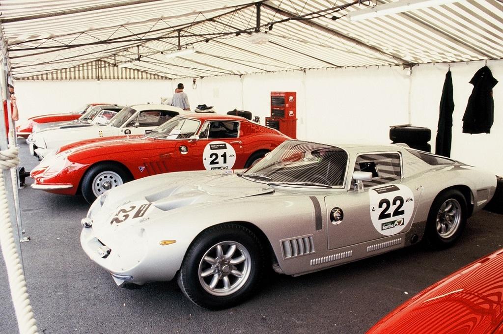 Bizzarini-5300-GT - Ferrari-275-GTB - 2004 - Le-Mans-Classic - Photo-Thierry-Le-Bras