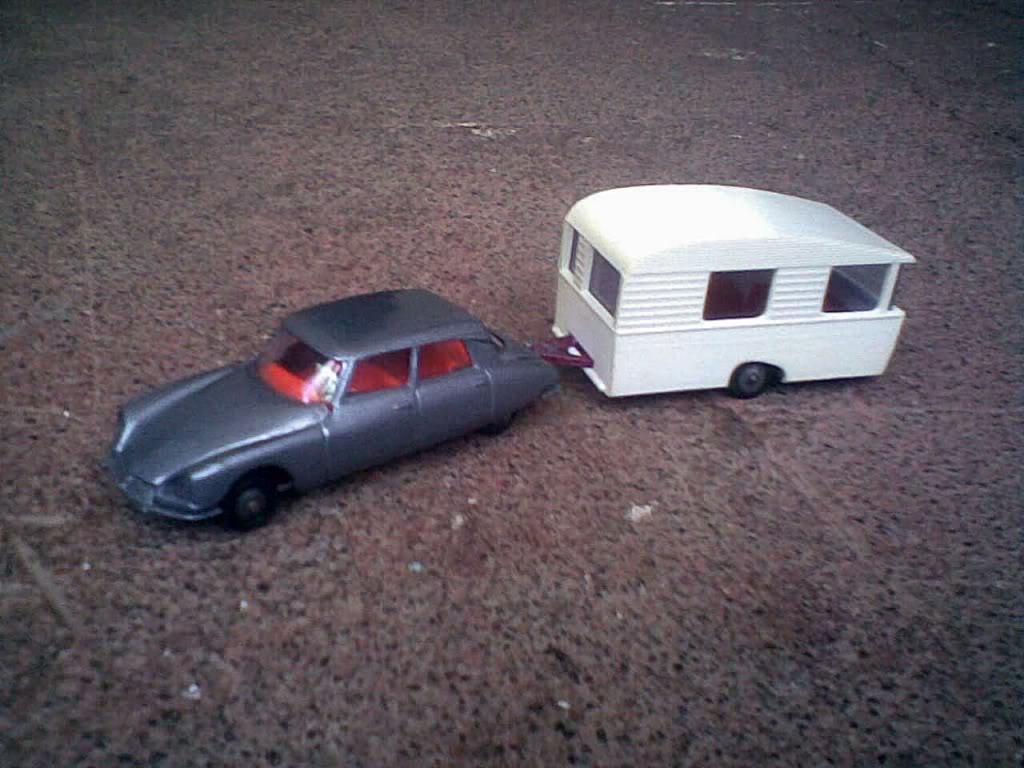 Caravane-Sterckeman-Lovely-Miniature - Copyright-inconnu