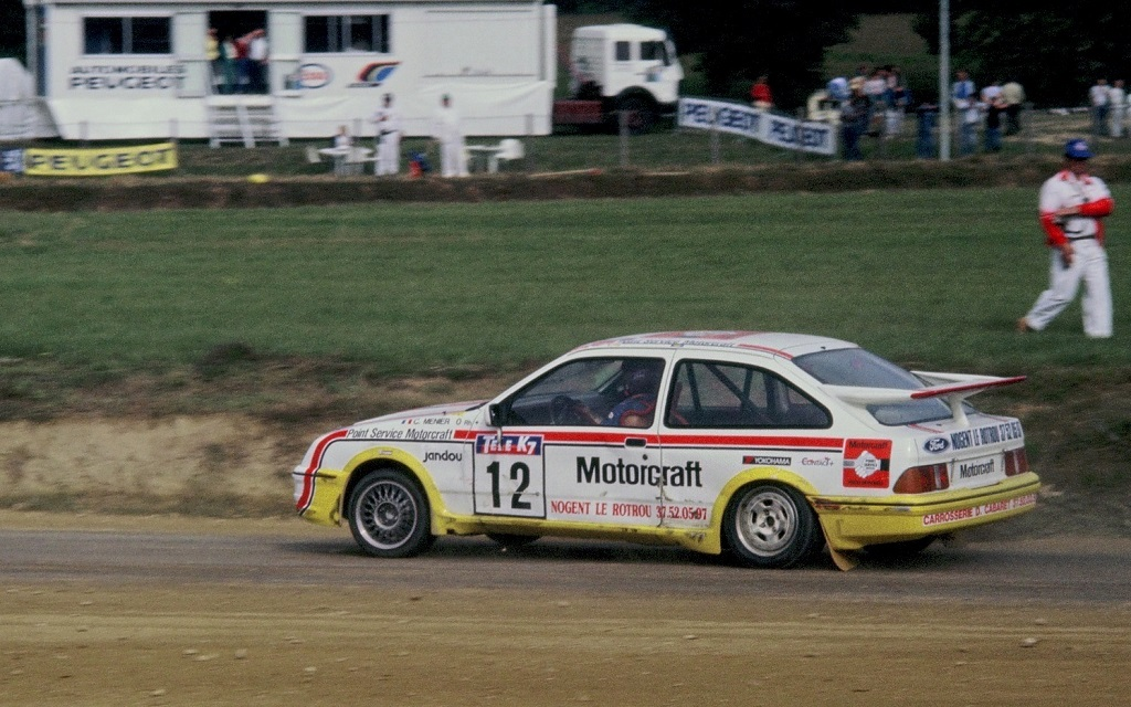 Christian-Ménier- Ford-Sierra-RS-Cosworth - 1987 - Rallycross-Lohéac - Photo-Thierry-Le-Bras