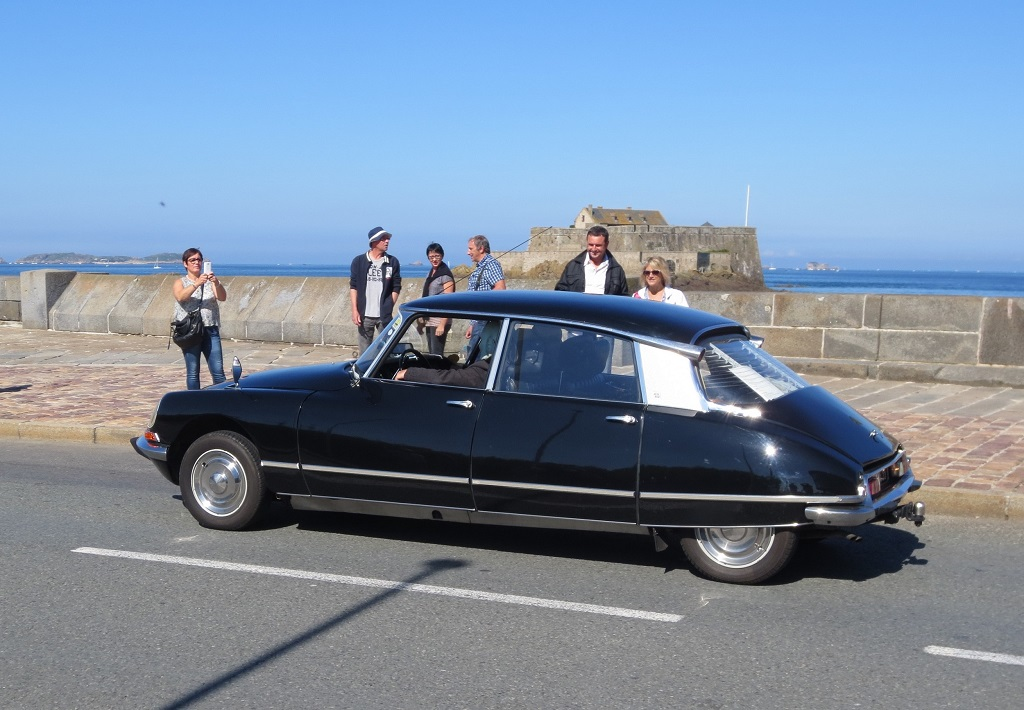 Citroën-DS-Fantomas - 2015 - Saint-Malo - Photo-Thierry-Le-Bras