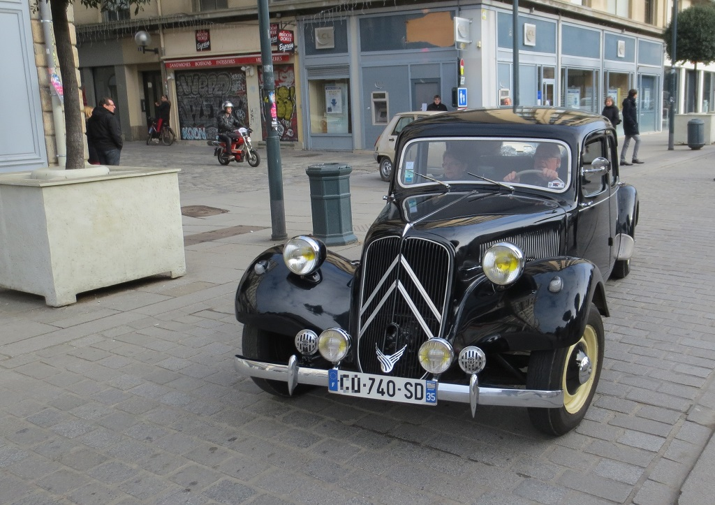 Citroën-Traction - 2015- Traversée -de-Rennes - Photo- Thierry-Le-Bras