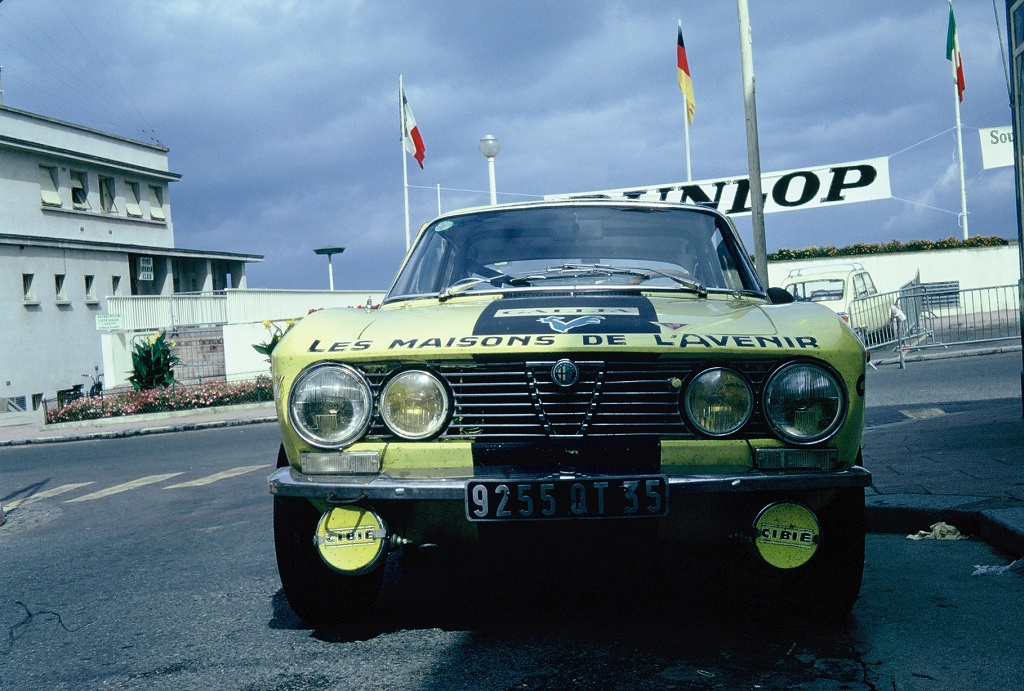 Dominique-Pigeon - Alfa-Romeo-2000-GTV - 1973 - Dinard - Grand-National-Tour-Auto - Photo-Thierry-Le-Bras
