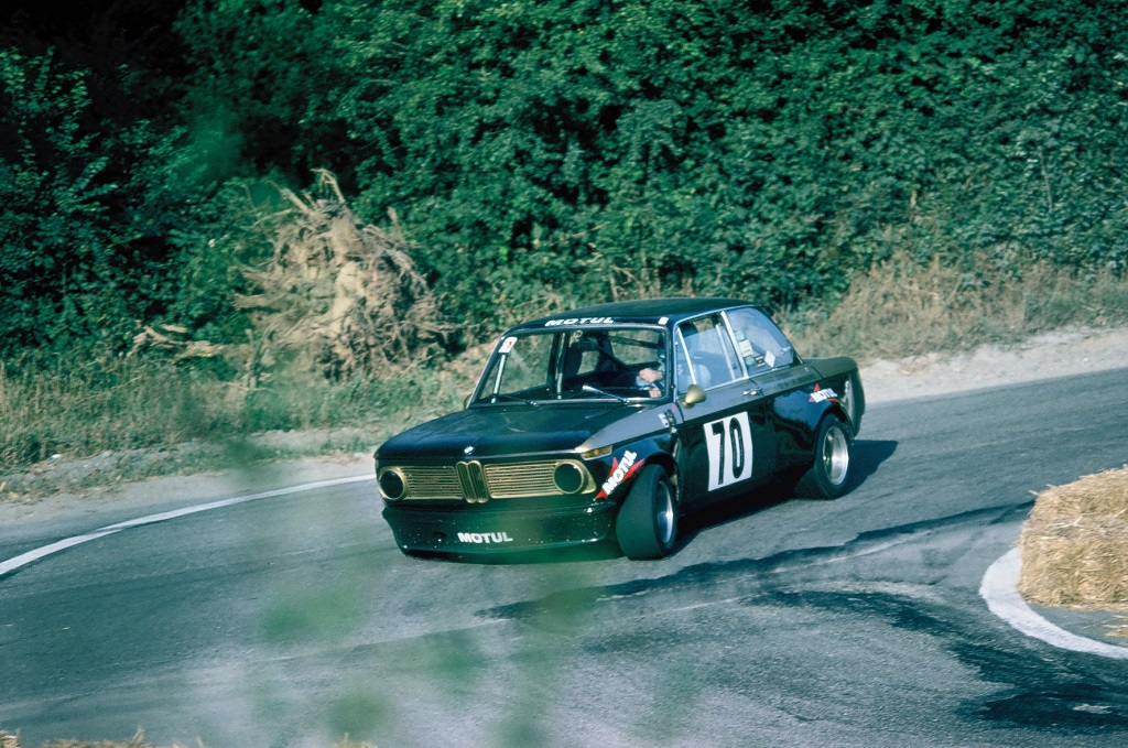 Elodic -BMW- 2002-groupe-2- 1975 - CC-Landivisiau - Photo-Thierry-Le-Bras