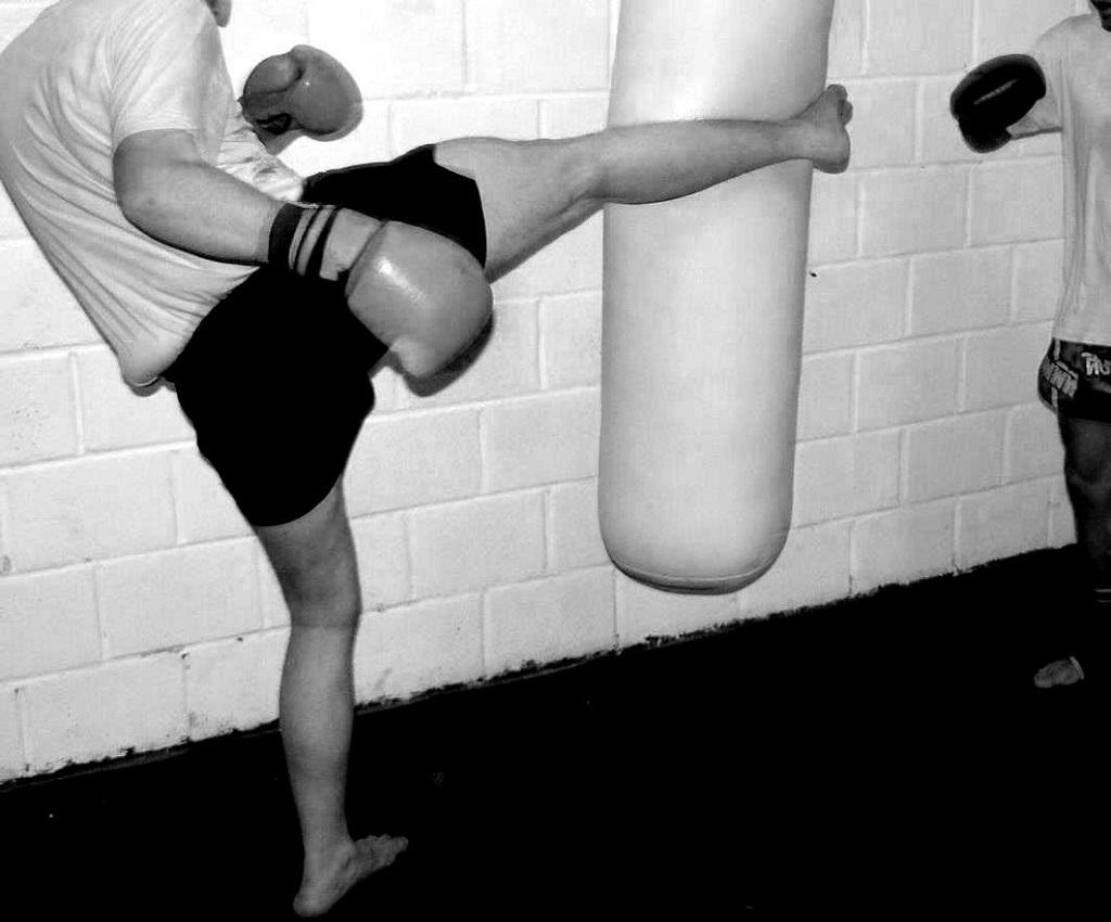 Entraînement-équilibre-boxe-thaï - copyright-inconnu