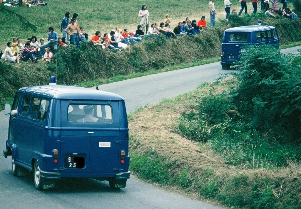 Estafette-Gendarmerie - 1974 - Saint-Gouëno - Photo-Thierry-Le-Bras