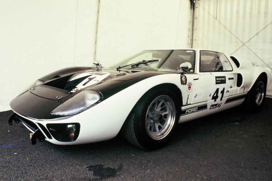 Ford-GT-40 2004 - Le-Mans-Classic - Photo-Thierry-Le-Bras
