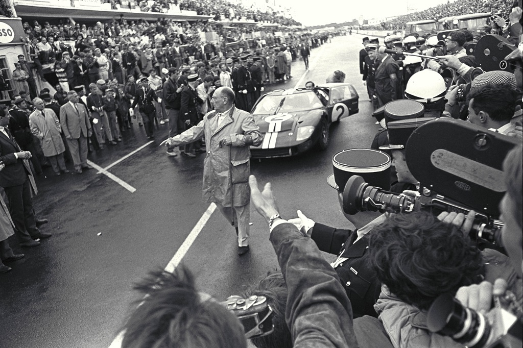 McLaren- AMon - Ford-GT40-MKII - 1966 - Le-Mans