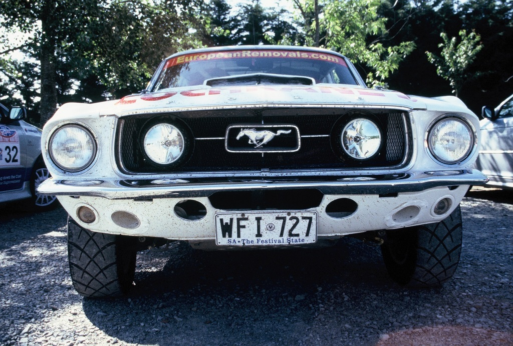 Ford-Mustang- 2004 - Rallye-Londres-Sydney - Photo-Thierry-Le-Bras