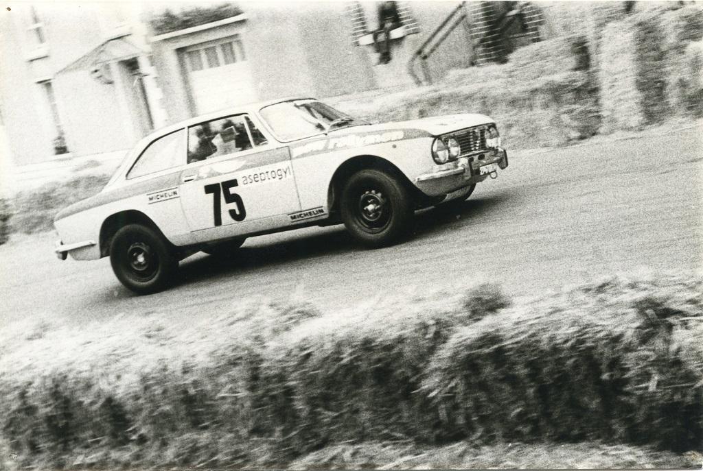 Galopin - Alfa-Romeo-2000-GTV - 1976 - CC-Saint-Gemain-sur-ille - Photo-EK