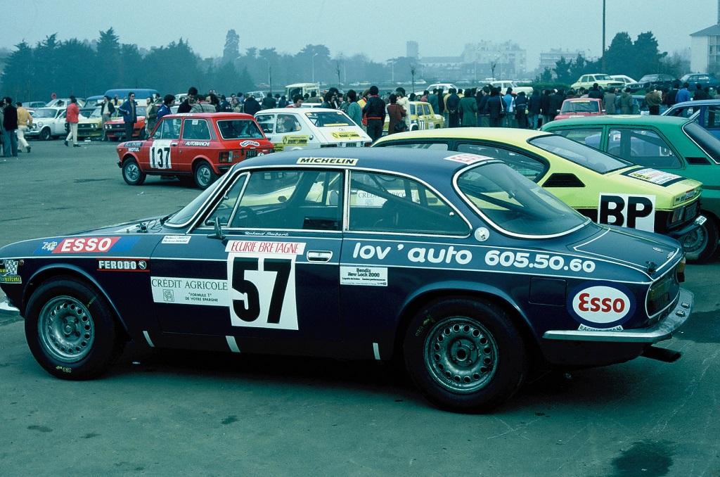 Imbert - Alfa-Romeo-2000-GTV- 1976 - Départ-Rallye-Armor - Photo-TLB