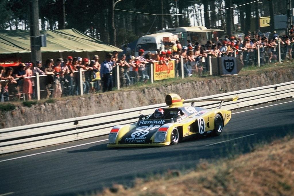 Jabouille-Tambay-Dolhem - Renault-Alpine-A-442 - 1976 - Le-Mans - Photo-Thierry-Le-Bras