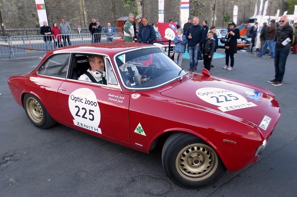 Jack- Jack - Alfa-Romeo-Giulia-Sprint-GTA- modèle - 1965- 2017 - TA - Saint-Malo - photo-Thierry-Le-Bras