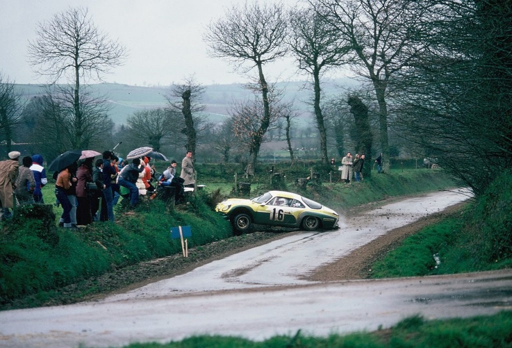 La-Ferté - Alpine-Berlinette - 1977 - Rallye-d-Armor - Photo-Thierry-Le-Bras