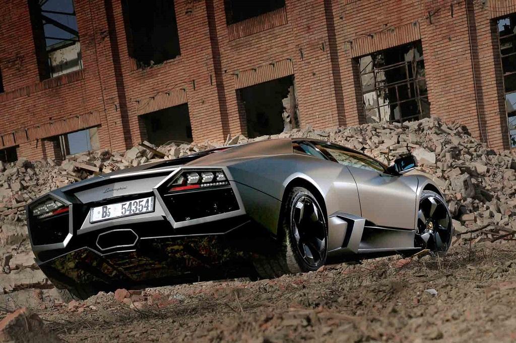 Lamborghini-Reventon-arrière
