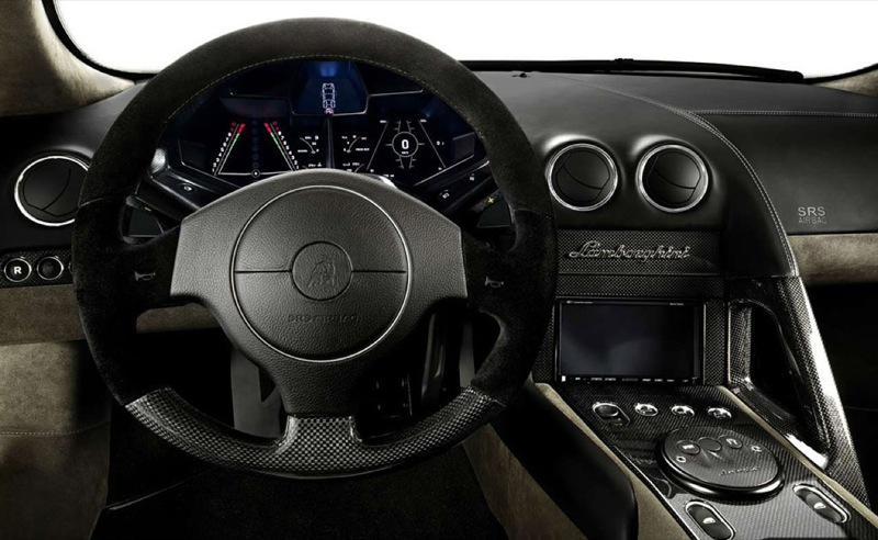Lamborghini-Reventon-cockpit