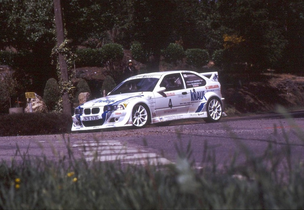 Leuvrey- BMW-318-Compact-F2000- 2003 - Rallye-du-Pays-Vannetais - Photo-Thierry-Le-Bras
