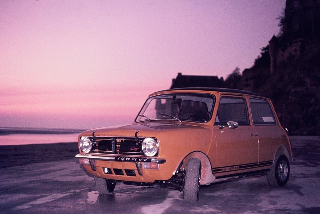 Mini-Austin-1275-GT - 1973 - Mont-Saint-Michel - Photo-Thierry-Le-Bras