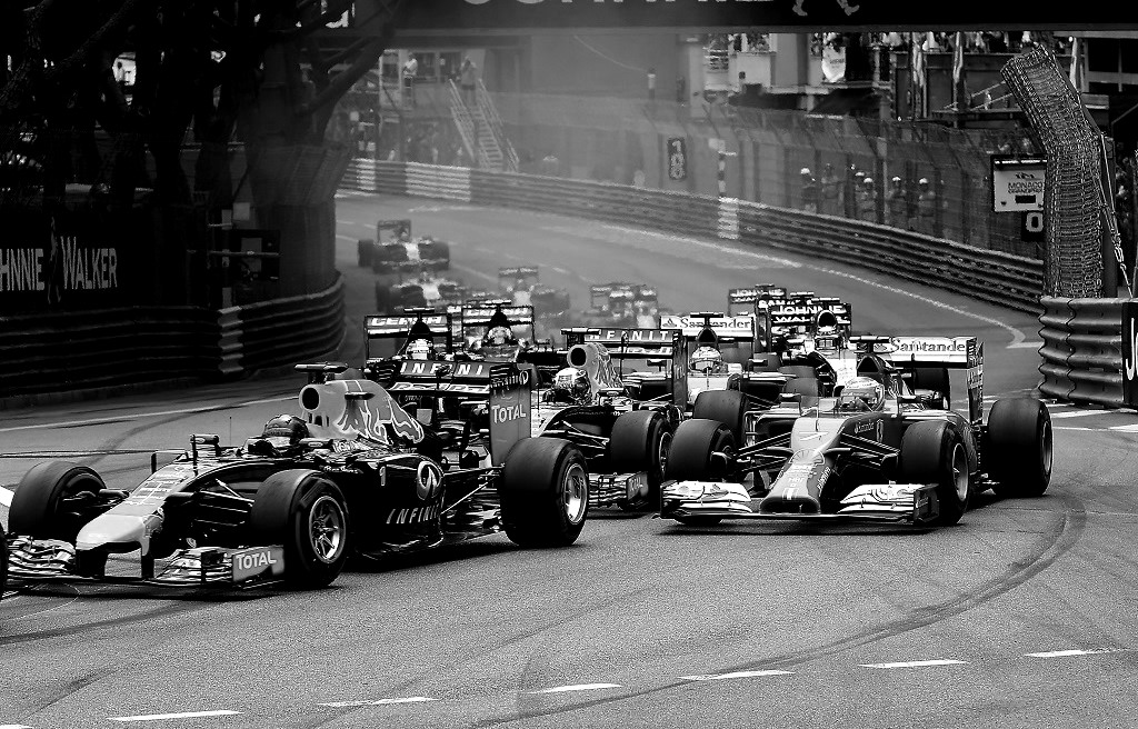 Monaco-l-attaque-entre-les-rails