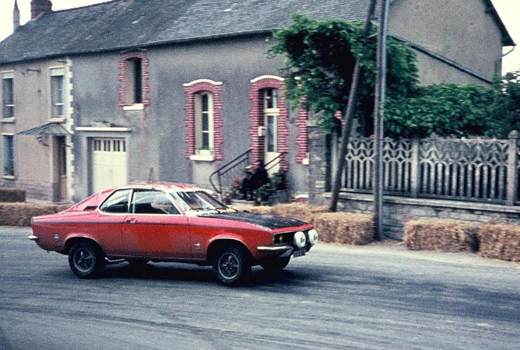 Opel-Manta-SR 1973- Course-de-côte-Saint-Germain-sur-Ille - Photo- Thierry-Le-Bras