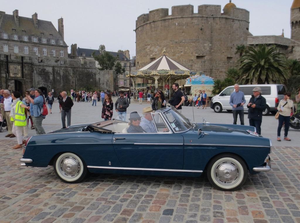 Peugeot-404-Cabriolet - 1 - 2018 -Rallye-des-Corsaires - Photo-Thierry-Le-Bras