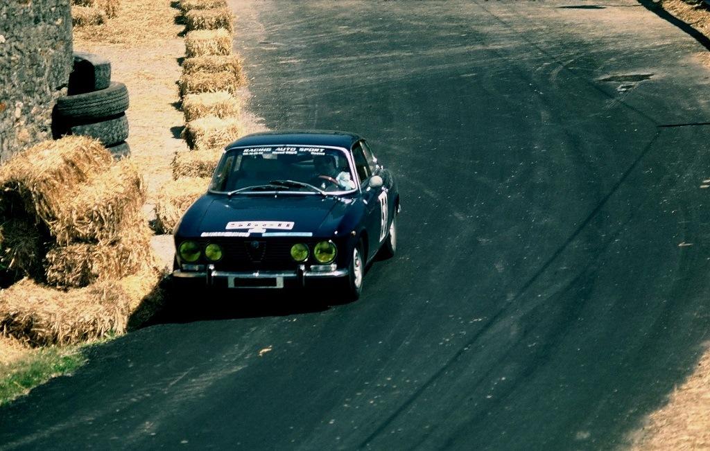 Philippe - Fonteneau - Alfa-Romeo-2000-GTV - 1976 - CC-Bais-Montaigu - photo-Thierry-Le-Bras