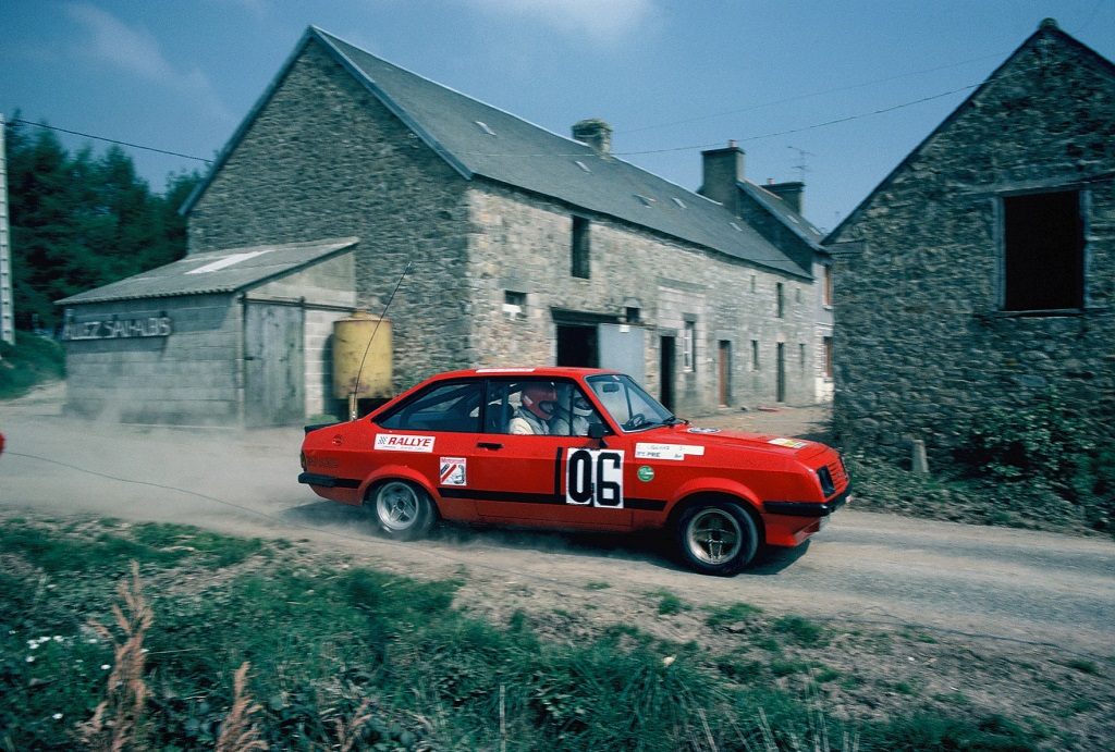 pierre-yves-prie-escort-2000-rs-1982-rallye-d-armor-photo-thierry-le-bras