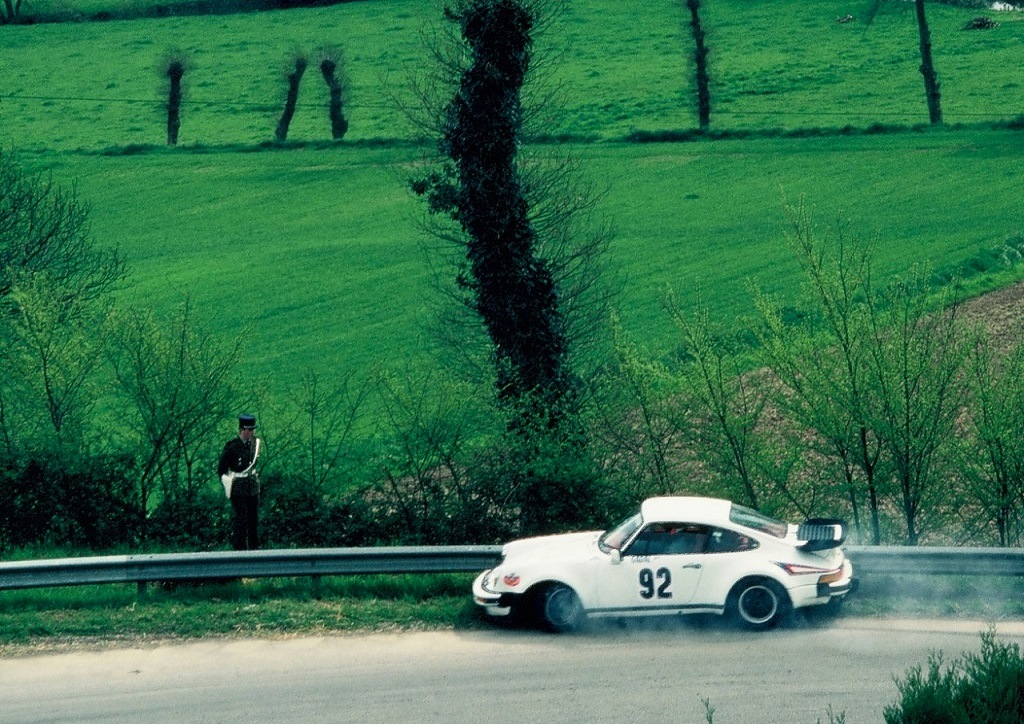 Porsche-930- 1982 - CC-Saint-Germain-sur-Ille- Photo-Thierry-Le-Bras
