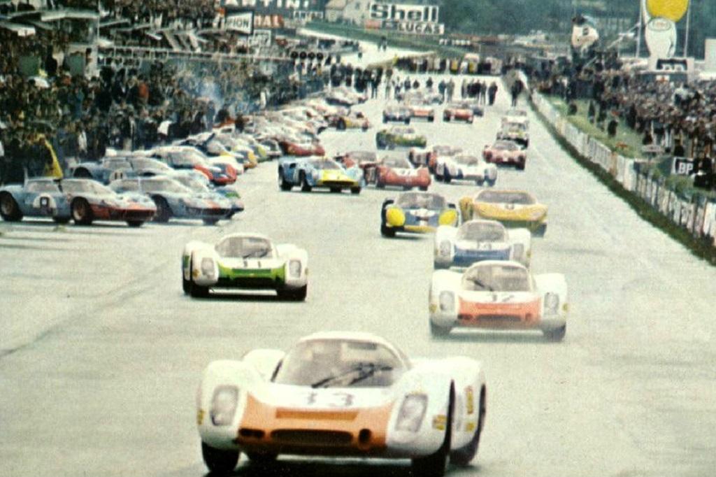 Porsche-en-tête-au-départ-du Mans- 1968- Coyright-inconnu