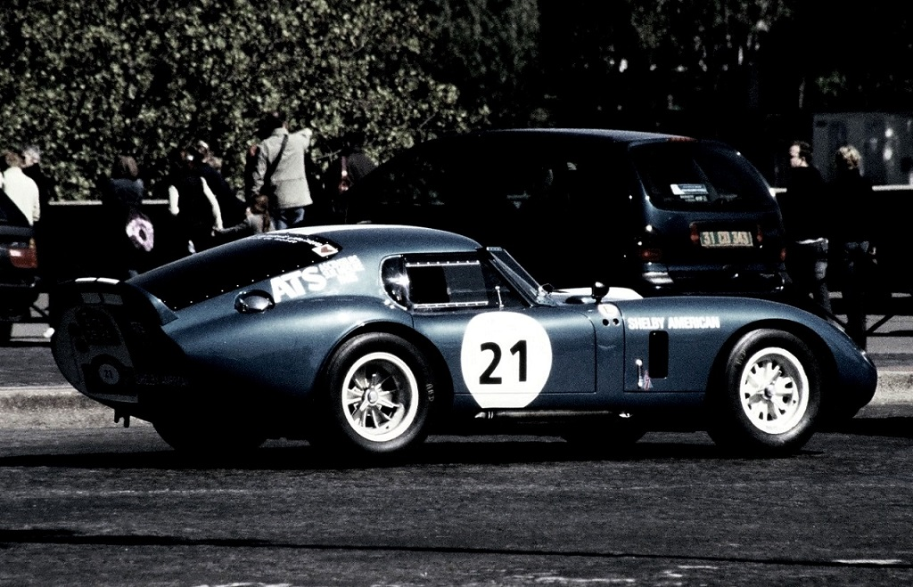 Shelby-Cobra-Daytona - 2003 - Tour-de-France-Auto - Photo-Thierry-Le-Bras