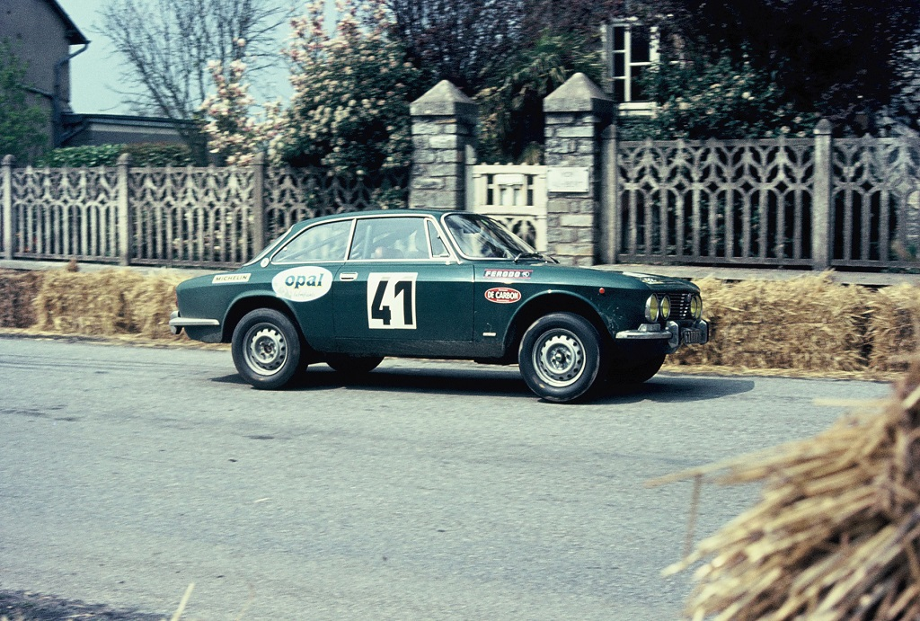 Somekh - Alfa-Romeo-2000-GTV - 1973 - Course-de-côte-de-Saint-Germain-sur-Ille -Photo-Thierry-Le-Bras