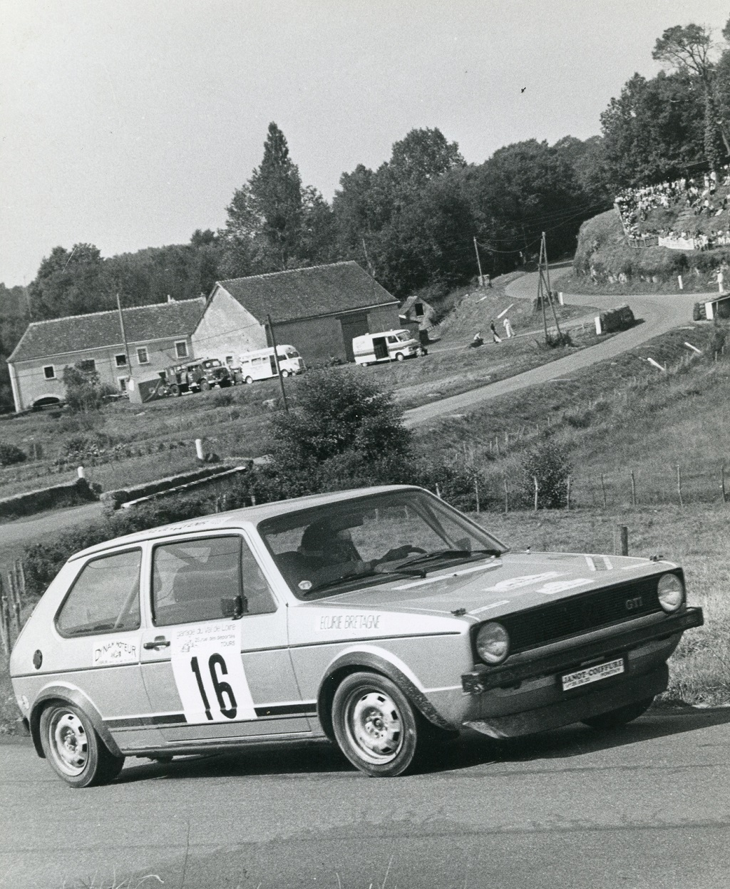 Thierry-Le-Bras -4- VW-Golf-GTI - 1977- CC-Neuvy-le-Roi- Photo- Photo-Actualité