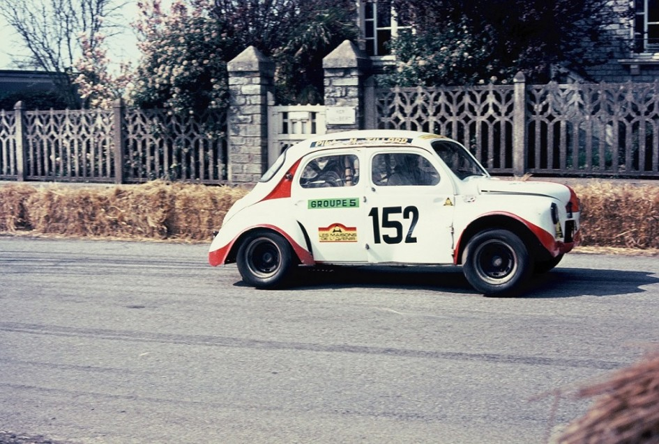 Tillard - Renault-4cv - 1973 - CC-Saint-Germain-sur-Ille - Photo-Thierry-Le-Bras