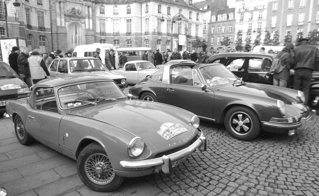 Triumph-Spitfire-et-Porsche-911-Targa - Photo-Thierry-Le-Bras