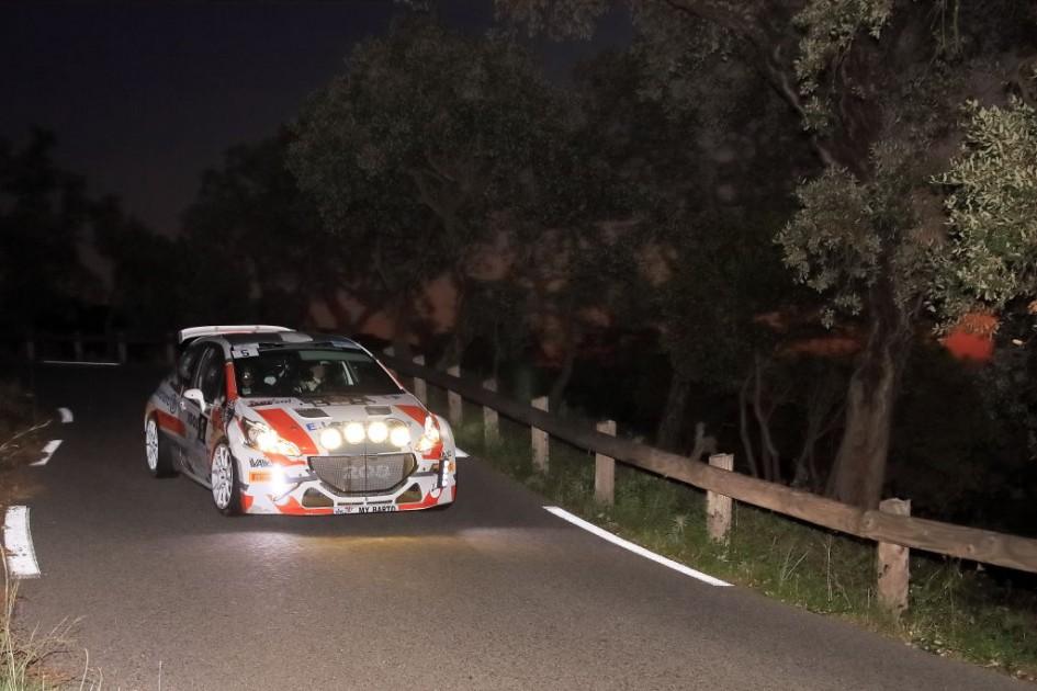 Yoann-Bonato-Denis-Giraudet - Peugeot-208-T16- 2015- Rallye-du-Var - Photo-© RacingCarMedia – Guy Pawlak